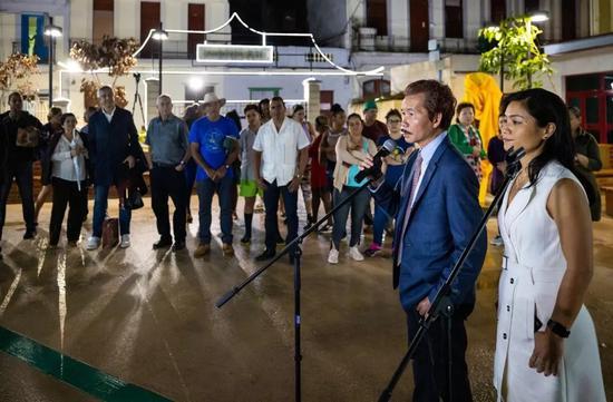 许鸿飞雕塑世界巡展古巴站 (第36站)亮相哈瓦那