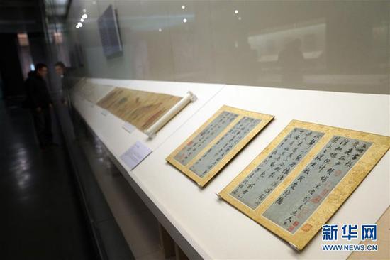 国家博物馆展宋元明清书画珍品 十米长宋画打开